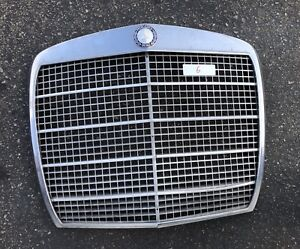 MERCEDES W108 280SE W109 300SE USED FRONT GRILLE SEDAN 4 DOOR #6