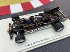 1/43 Lotus Ford 88 #11 Colin Chapman Presentation Car 1981 SPARK UK002 NEU + OVP
