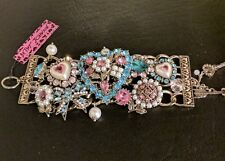 RARE BETSEY JOHNSON HEARTS BOOST PEARL FLOWER BOW STATEMENT BRACELET  NWT