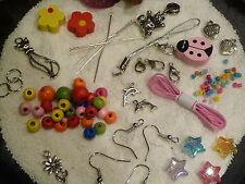 595 tlg Kinder Schmuck bastel Set inkl Ketten Armbänder Schlüsselring Perlen