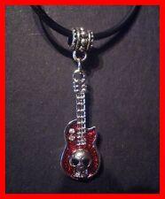 Geile Skull Gitarre mit Straß mit schwarzer Lederkette NEU  Rock Punk      (y23)