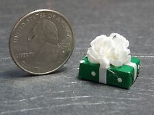 Dollhouse Miniature Christmas Gift Present F 1:12 one inch  G79 Dollys Gallery