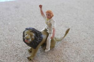 Corgi - GS7 - Lion and Lady Figure for Daktari Gift Set