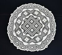 "Vintage Handmade Ecru Floral Crochet Scalloped Edge Large 31"" Tablecloth Doily"