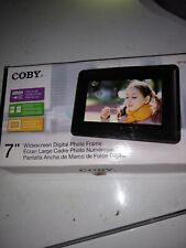 """Coby DP730 7"""" Widescreen Digital Photo Frame With Plug & Play New in Box"""