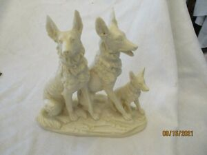 """A. Santini Art Sculpture Signed Italy Figurine 3 wolf dogs wolves 7.5x8"""""""
