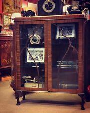 1930s Art Deco English Display Cabinet  / China Cabinet