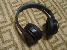 Very Nice Beats by Dr. Dre Solo 2 Solo2  Wireless Headband Headphones - Black
