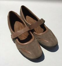 Auditions Annie Brown Tan Suede Walking Casual Shoe Women's 8 M