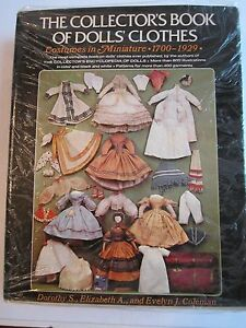 1975 THE COLLECTOR'S BOOK OF DOLL'S CLOTHES - AUTOGRAPHED BY AUTHOR - 794 PAGES