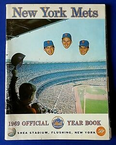 1969 NY METS OFFICIAL YEARBOOK ORIGINAL ~ BASEBALL MLB World Series Champions ~