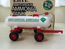 ERTL - ANHYDROUS AMMONIA TANK / TRAILER - 1/32 SCALE