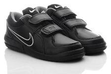Nike Schuhe für Jungen mit 26 Größe