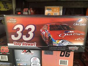 Tony Stewart #33 Old Spice 2007 Monte Carlo SS MA 1:24 scale car
