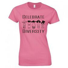 "Divertido ""Celebrar Diversity Bebidas ""Pitillo Camiseta"
