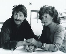 Tom Conti and Pauline Collins UNSIGNED photo - H4077 - Shirley Valentine
