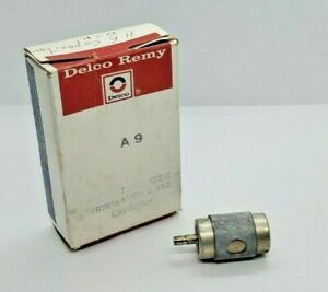 NOS Delco D211 GM OEM 1876154 Radio Capactior Condenser - x.ref RC3 12338666