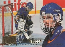 Dominik Hasek (Buffalo Sabres) autographed card