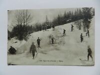CPA CARTE POSTALE ANCIENNE ANIMEE SPORT D'HIVER SKIS