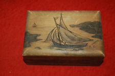 ancienne boite en bois sculpté signée - Voilier, mer