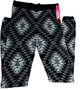 Xhilaration Ebony Sweater Legging Medium in Women's