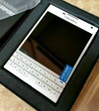 BlackBerry Passport - 32GB - White (Unlocked) Smartphone