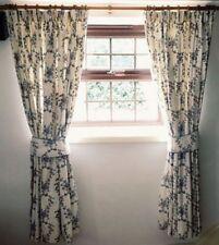 Traditional Curtain & Pelmet Sets