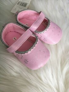 NEW Baby Girl Light Pink Pre-walker Shoes 6-12 months Size 3.4