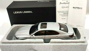 1:18 - Autoart Lexus LS600hL silber in OVP