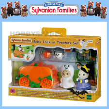 NEW SYLVANIAN FAMILIES HALLOWEEN TRICK or TREATERS SET LIMITED DECORATION 5268