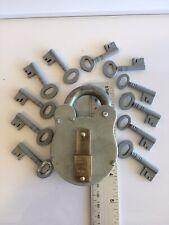 Padlock With 11 Keys