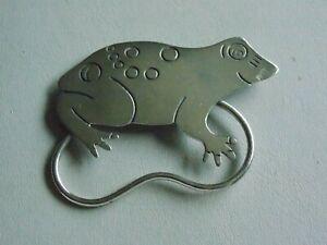 Fab & Funky Large Sterling Silver Frog Brooch & Reading Glasses Holder ?