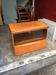 Teak tv unit Great Condition With Glass Doors And Pull Out Shelf 👍👍