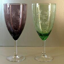 Weinpokal in Farbglas lila und grün - mundgeblasen - veredelt mit Gravur - AE683