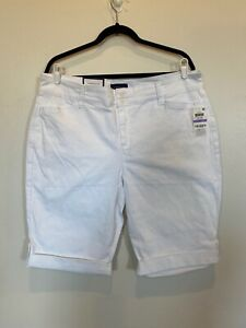 Charter Club WHITE Shorts Cuffed Women's Size 18 NWT $36