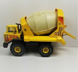 TONKA Cement Mixer Truck Turbo Mighty Diesel XMB-975 Vintage Works Metal