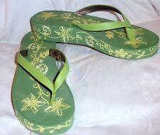 Eddie Bauer Summer Sandals Green Floral Thongs Flip Size 8