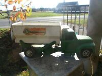 "Vintage Buddy L Pressed Steel Hydraulic Dumper Truck /Hatch Gate 20"" L, 8-1/2 lb"