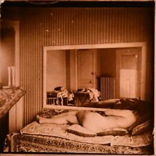 Stereo view on glass, erotic, nude female, woman lying with mirror