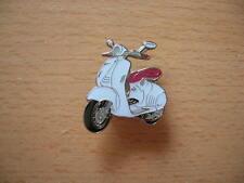 Pin Anstecker Piaggio Vespa 946 weiss white Roller Scooter Art. 1198 Spilla