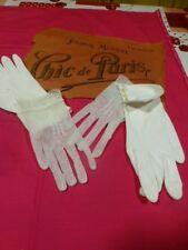 lot neufs ,blancs  jolis anciens gants pour folklore, théatre, mariage ,soirées