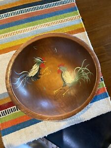Munising Wooden Bowl With Feet Roosters