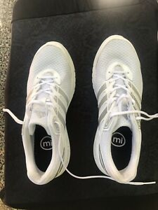 adidas women shoes size 10