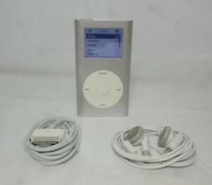 Apple iPod A1051 4GB Mini Silver 2nd Generation (M9800LL/A)