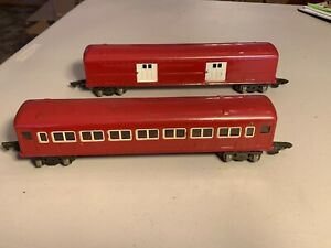 American Flyer O-Gauge 494R Baggage and 495R Coach
