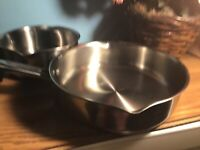 """WearEver Stainless Steel 9.5"""" Skillet Frying Pan 2-3/4"""" Deep And 1.9 L Sauce Pan"""