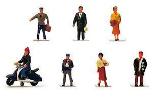 """Hornby OO Gauge Figures R7115 """"CITY PEOPLE"""""""