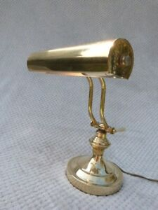 VINTAGE ANTIQUE STYLE BRASS ADJUSTABLE BANKERS DESK LAMP