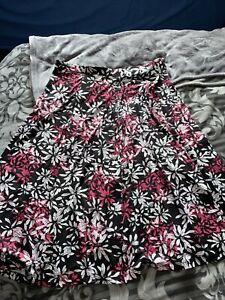 Ladies Soon Black And Pink Skirt Size 18