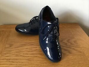 Clarks Girls Navy Blue Patent Leather Shoes Good Condition Size 1 F